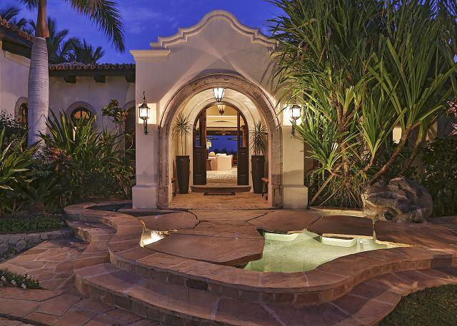Casa Sahuaro en Cabo del Sol Luxury Rental Villas in Cabo San Lucas entrance