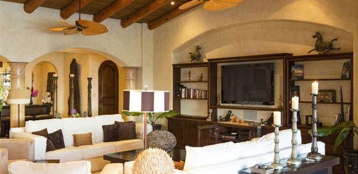 Casa Sahuaro en Cabo del Sol Luxury Rental Villas in Cabo San Lucas Tv and living area