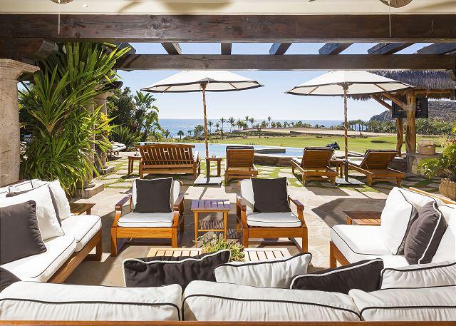 Casa Sahuaro en Cabo del Sol Luxury Rental Villas in Cabo San Lucas outdoor seating
