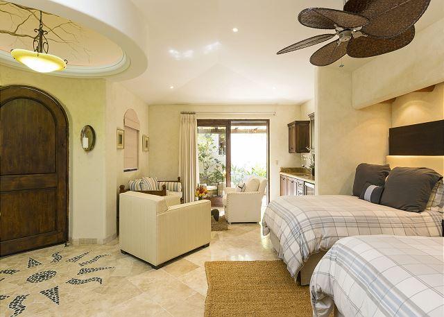 Casa Sahuaro en Cabo del Sol Luxury Rental Villas in Cabo San Lucas 2 Queen bed suite